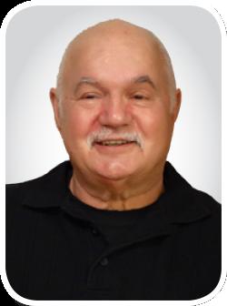 Steve Uzelac Headshot